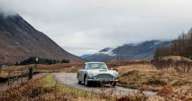 Fabricante inglesa produz réplicas de carro do James Bond