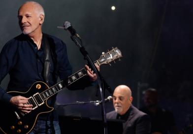 Peter Frampton estreia no topo da parada de blues nos EUA com novo álbum