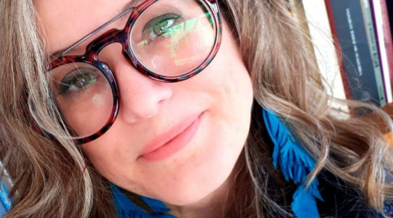 Adriana Antunes ministra 'Oficina de Escrita Criativa', em Caxias
