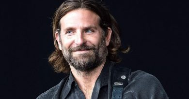 Bee Gees | Bradley Cooper pode interpretar Barry Gibb na cinebiografia