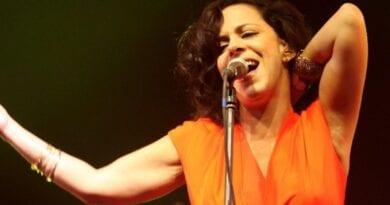 Bebel Gilberto e Chico Pinheiro são indicados ao Grammy 2021