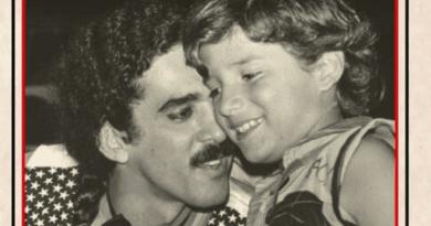 Davi Moraes celebra o pai, Moraes Moreira, em EP repleto de grandes nomes